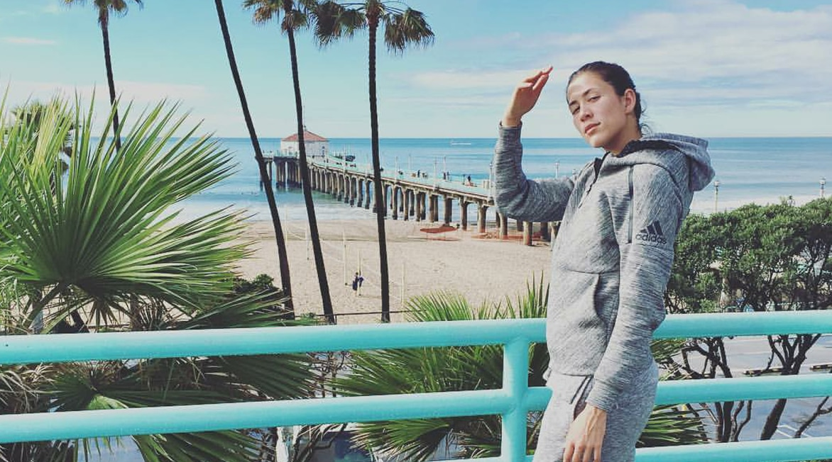 Garbiñe Muguruza en Manhathann Beach California