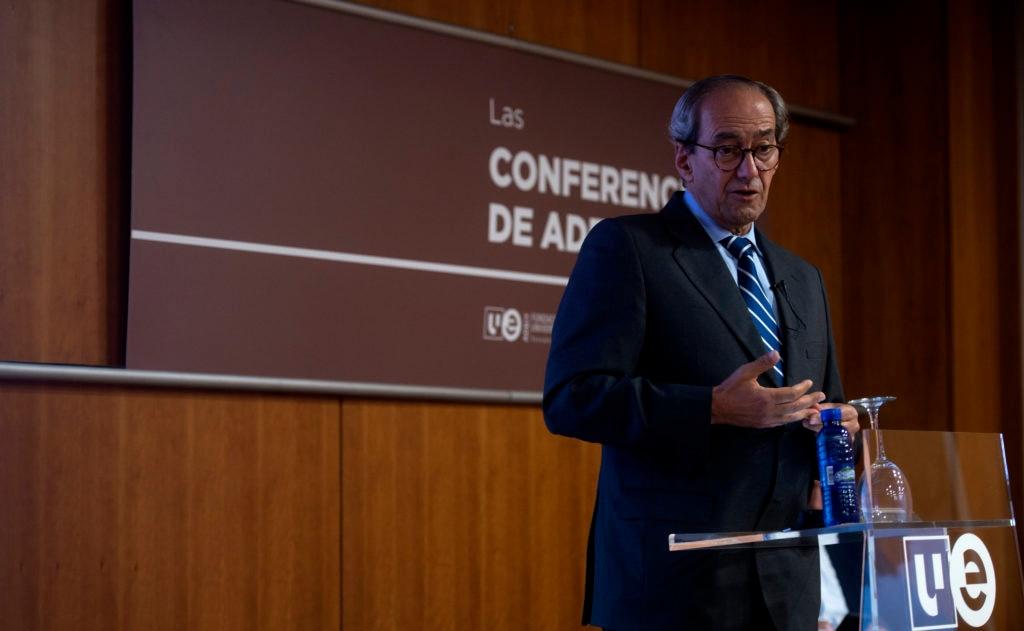 El consejero ejecutivo de BBVA, José Manuel González-Páramo, en una conferencia en ADEIT
