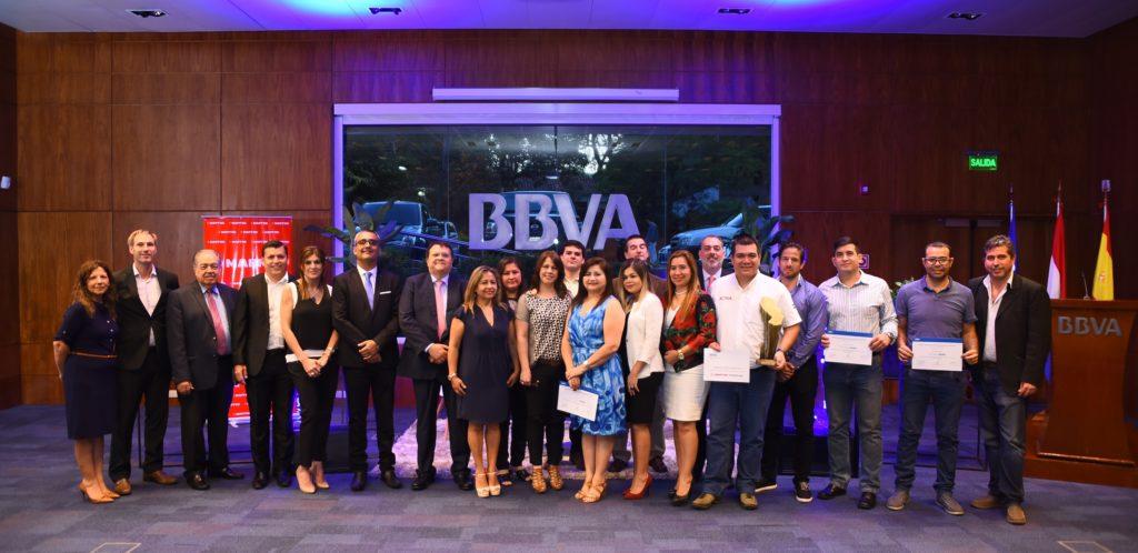 participantes pymes al éxito paraguay premiación