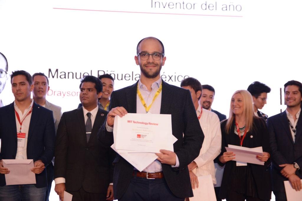 MIT Inovadores menores de 25 Latam-inventor-del-ano_manuel-pinuela-2