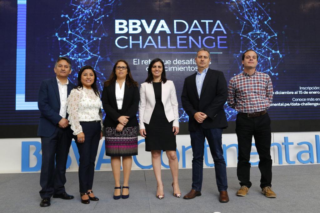 Fotografía de funcionarios de BBVA Continental en el BBVA Data Challenge