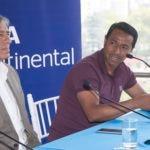 Fotografía de Nolberto Solano, asistente de Ricardo Gareca, en conversatorio mundialista organizado por BBVA Continental.