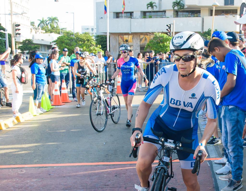 fotografía de Deportistas BBVA en el Ironman 70.3 Cartagena
