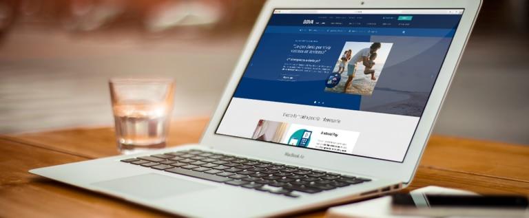 apertura-web-forrester-banca-online-ordenador-BBVA
