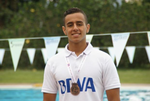 Nadador Julián Aranzazu, patrocinado por BBVA Colombia