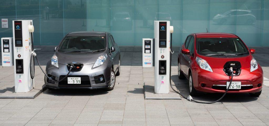 [MOMIFICOCHES] Review de los coches eléctricos Coche-electrico-gas-hibrido-bbva-1024x480
