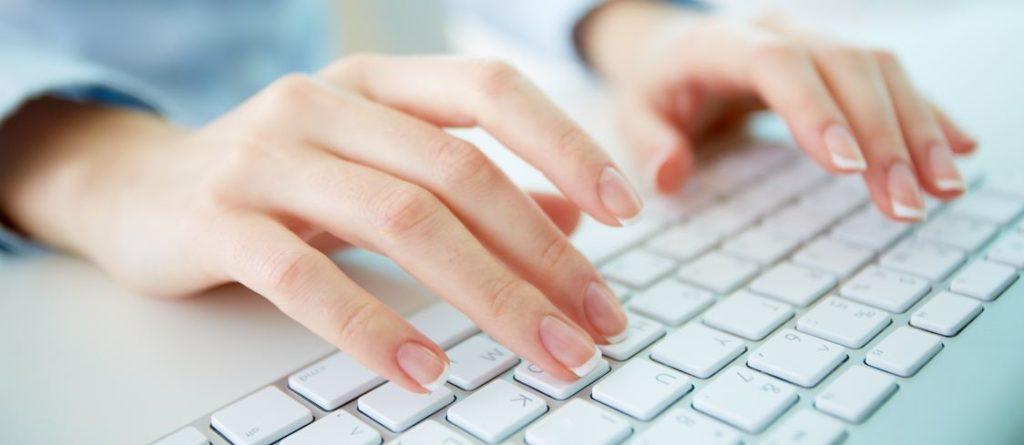 teclado-ordenador-manos-bbva-recurso