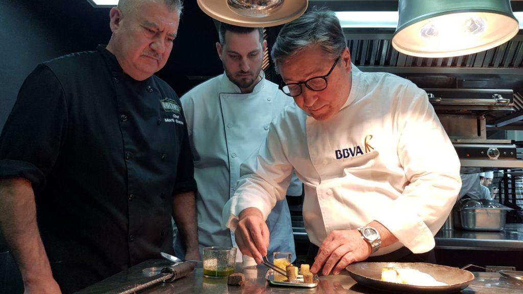 Joan Roca explica parte del menú que ha preparado para la cena de los Óscars