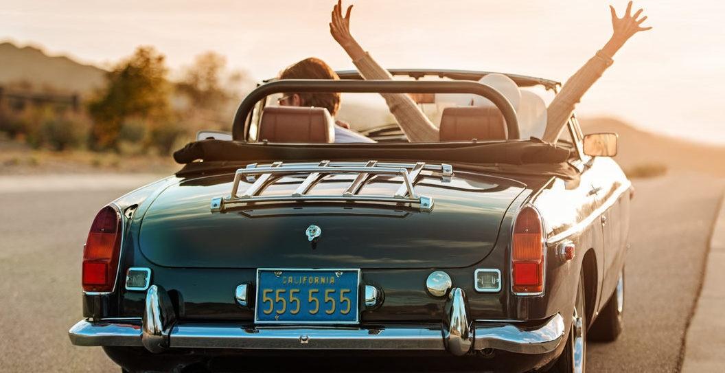 coche-felicidad-carretera-recurso-bbva