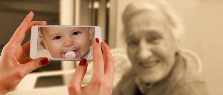 movil-foto-familia-ciberseguridad-bbva-recurso