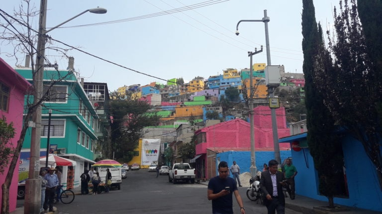 Sierra Santa Catarina llena de color