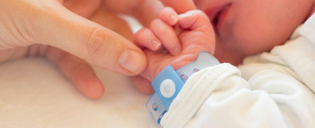Tramites-coste-tener-nacimiento-hijo-papeleo-registro-bebe-