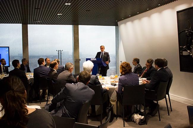 Fotografía de Reunión Financiación Sostenible, finanzas, banco de inversión, grupo crecimiento verde