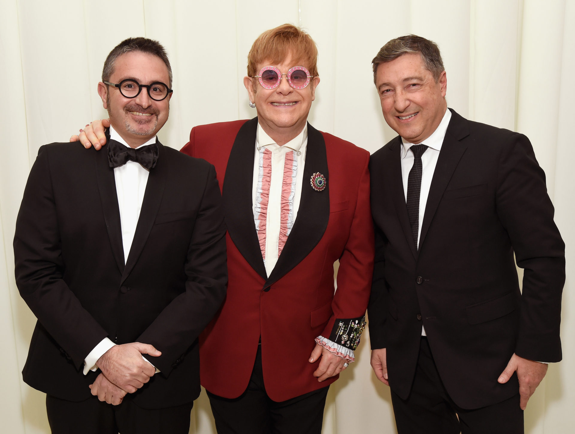 Óscar Moya, director de Patrocinios y Contenidos de BBVA, sir Elton John y Joan Roca, de El Celler de Can Roca - Photo by Michael Kovac Getty Images for EJAF