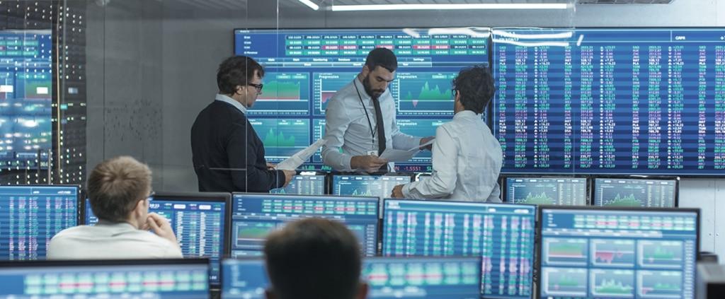 Fotografía de traders, ordenadores, equipo, ordenadores, tecnología, gráficos