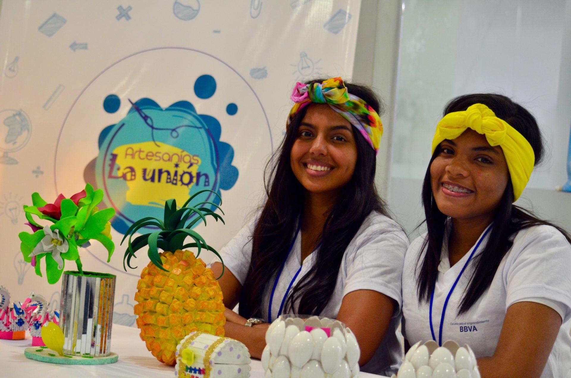 Jóvenes beneficiados del programa 'Escuela para el Emprendimiento' en Barranquilla