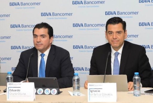 Eduardo Osuna Vicepresidente y DG BBVA Bancomer y Luis Ignacio De la Luz DG Finanzas.