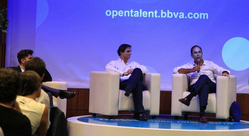 Ignacio Sanz y Pablo Estebanez, de BBVA Paraguay, durante el lanzamiento de Open Talent