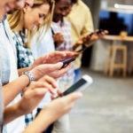 smartpMillenhone millennials adicción uso móvil recurso bbva