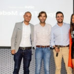 Fotografía de Karen Escarpeto, Sergio Zúñiga, Juan Saldarriaga y Carlos Jaramillo finalizando el panel Colaboración y Conexiones en Open Talks Medellín-01