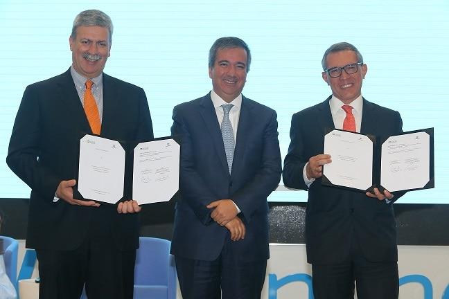 Firma de memorándums de entendimiento entre las bancas de desarrollo de México y Perú.
