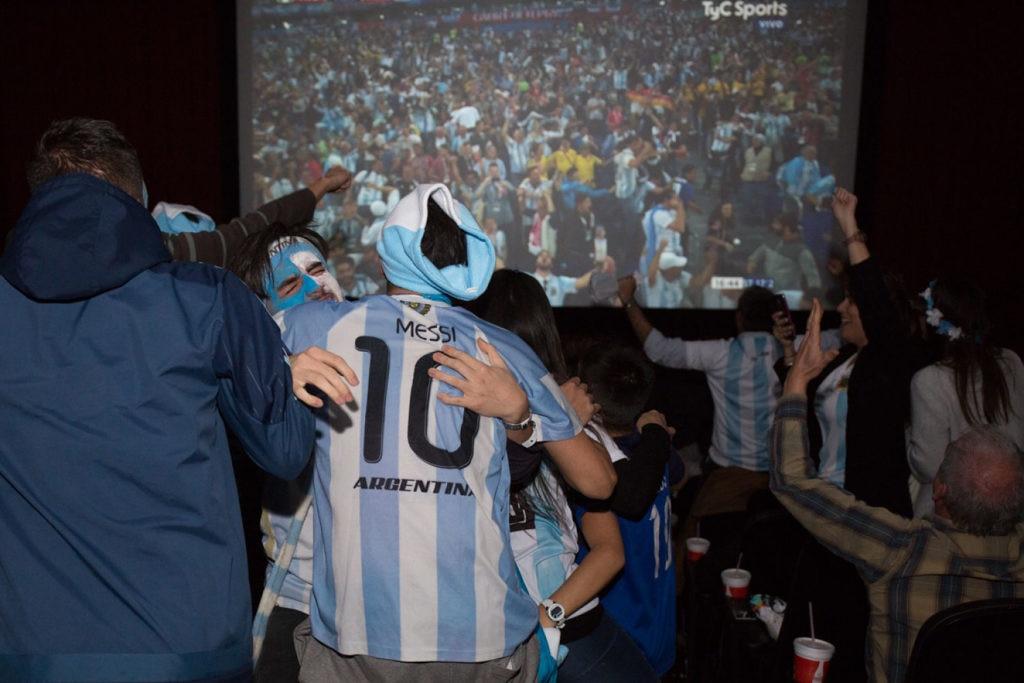 Clientes de BBVA Francés asistieron a Cinemark para ver Argentina - Nigeria en pantalla gigante