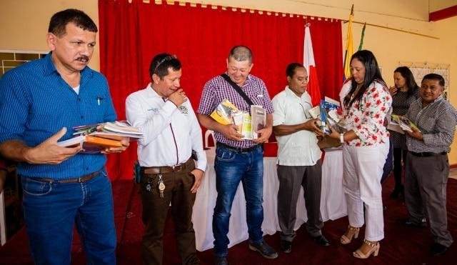 Entrega de bibliotecas por BBVA Colombia