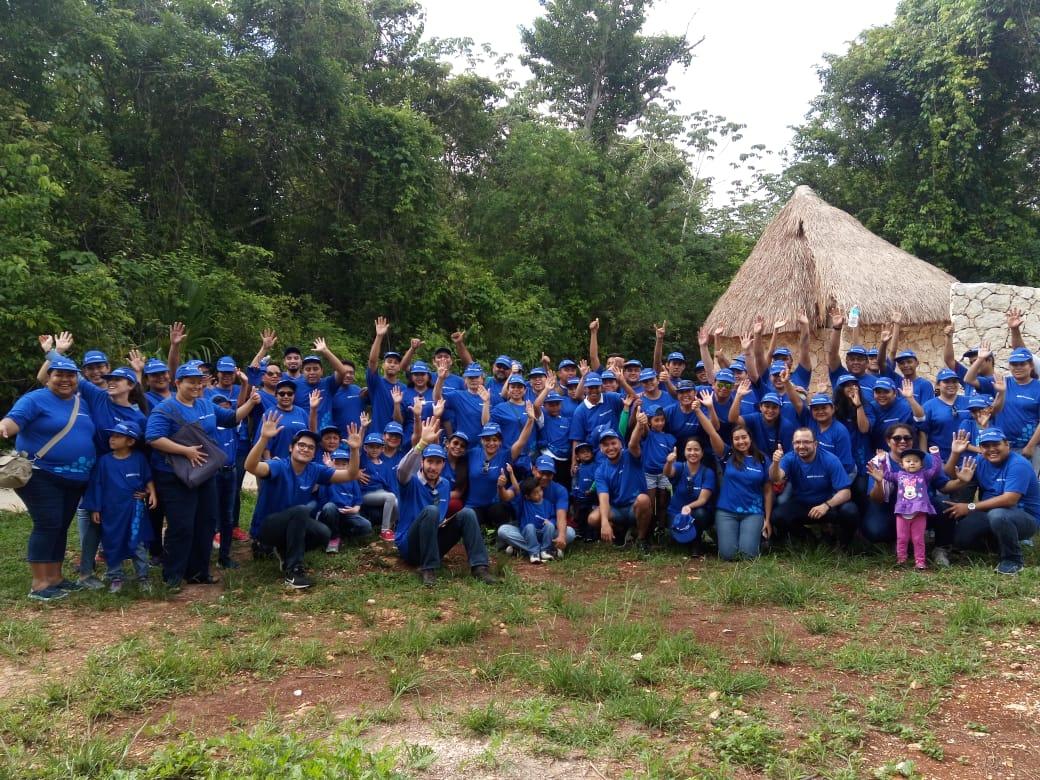 Reforestación Voluntarios BBVA México - Cancún