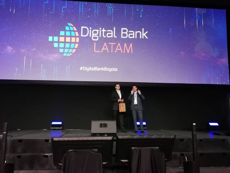 Jaime-Espinosa-director-del-Centro-de-Innovación-de-BBVA-y-patricio-Silva-CEO-de-Digital-Bank-Latam-en la apertura-de-digital-bank