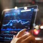 fotografía de gráfico de mercados en ipad BBVA