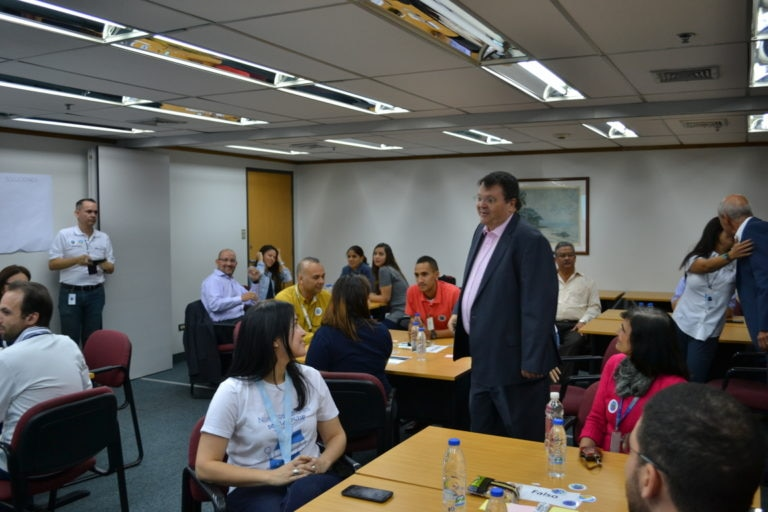 Compartir de valores junto al presidente de BBVA Provincial Agustín Antón