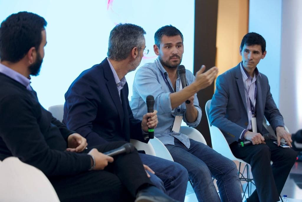 Panel Innovando desde el otro lado en Open Talks
