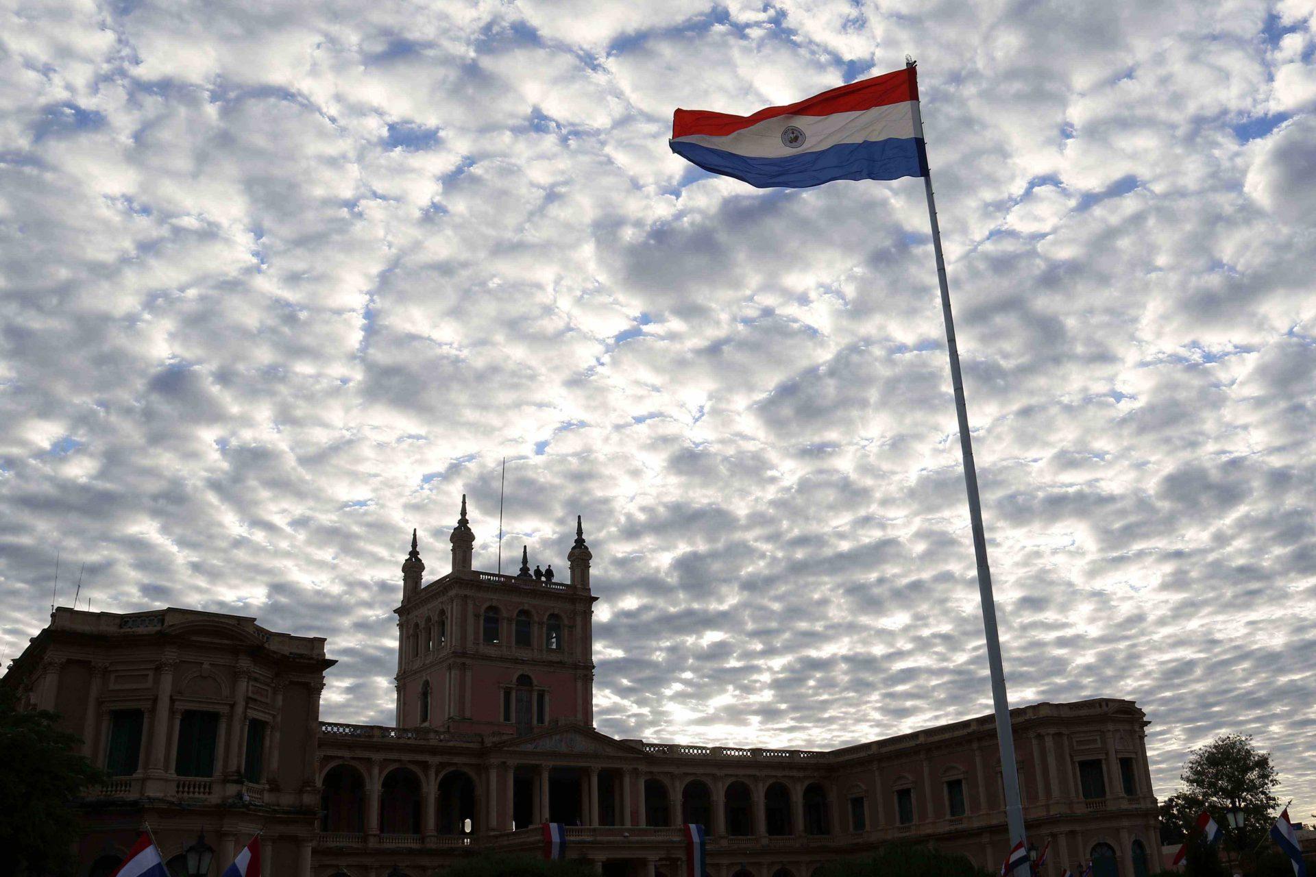EFE bandera Paraguay gobierno recurso BBVA