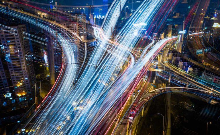 Fotografía de Calle, conexiones, cruces, coches, tecnología, luces, movimiento, velocidad