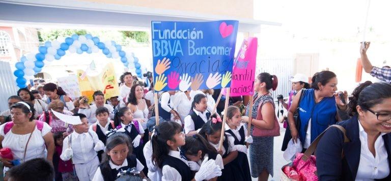 Entrega de escuelas Fundacion Bancomer