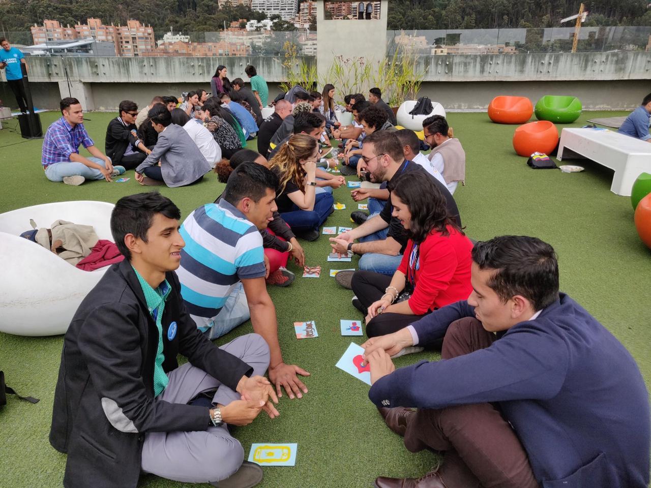 Fotografía de Jóvenes colombianos participan en los talleres de formación de Lidera El Cambio, evento patrocinado por BBVA