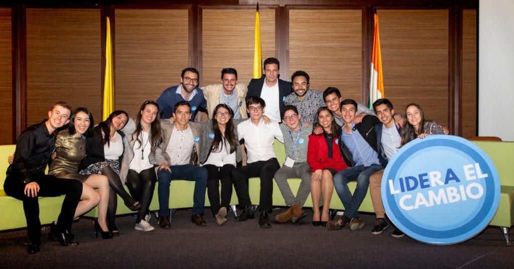 Fotografía de Jóvenes organizadores de Lidera el Cambio, evento patrocinado por BBVA