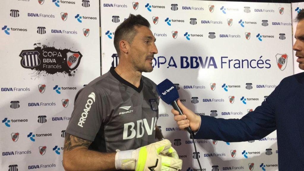 El arquero de Talleres, Mauricio Caranta, en el back de prensa, conversa con TyC Sports.