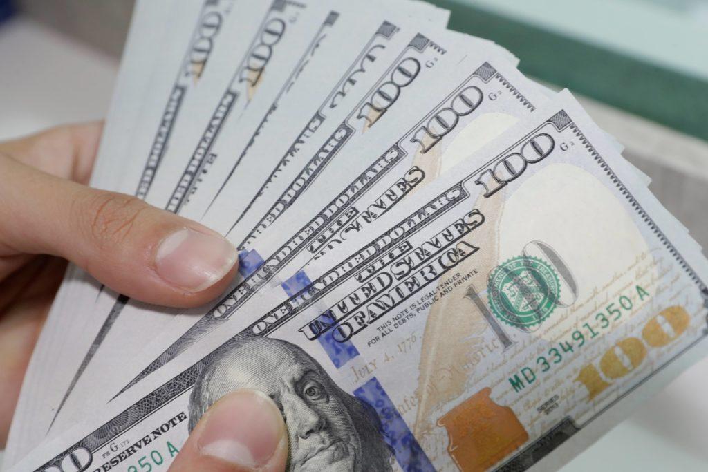 EFE- cambio divisas dólares billetes bbva