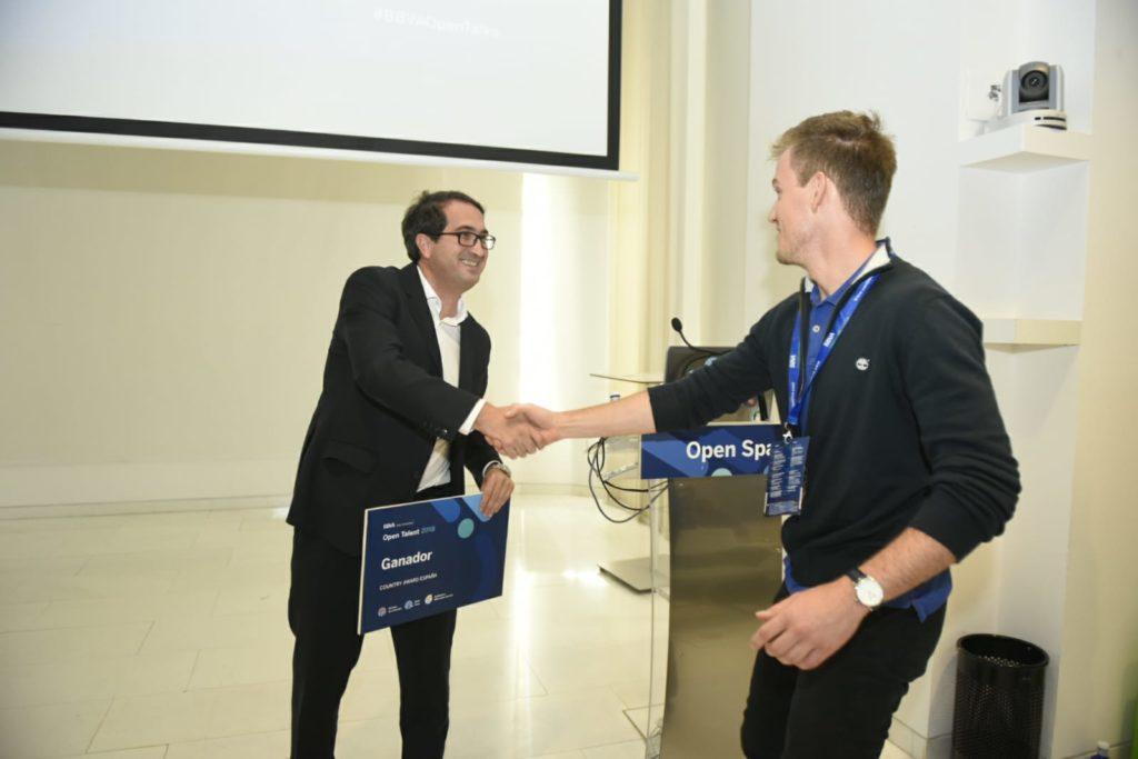 entrega-premio-open-talent-polaroo-bbva