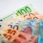 EFE-economia-finanzas-monedas-billete-dinero-efectivo-euro-recurso-bbva