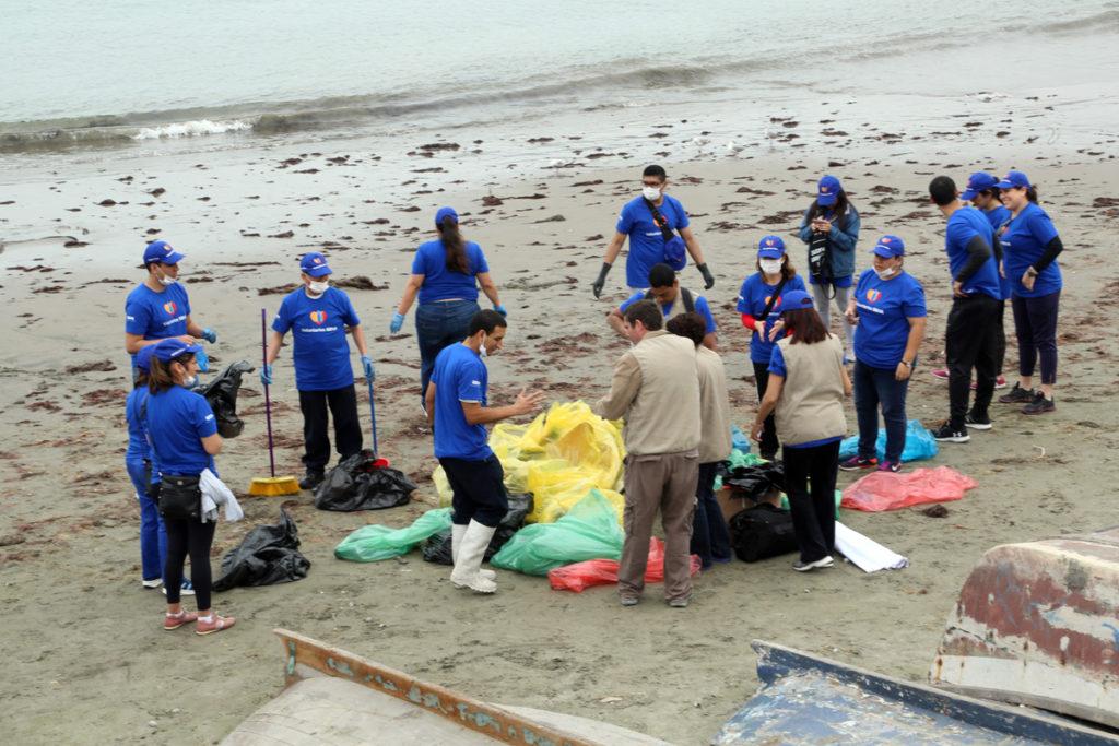 ¿Cómo ayuda al planeta la limpieza de playas? Semana Voluntariado BBVA Perú