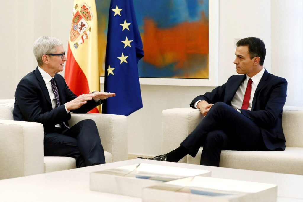 efe_tim_cook_ceo_apple_pedro_sanchez_presidente_gobierno_espana_recurso_efe.