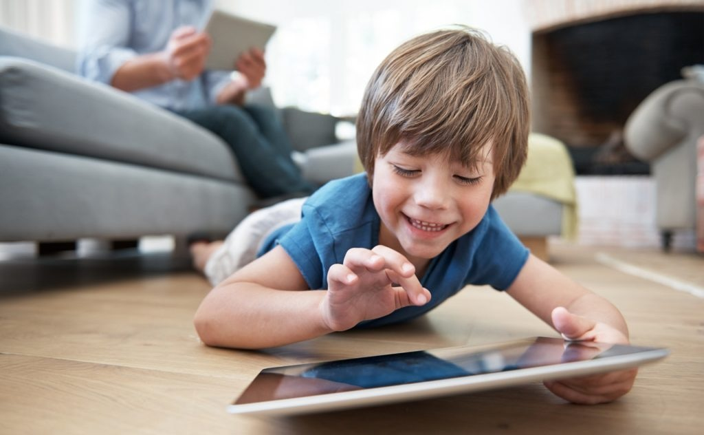 Resultado de imagen de niños aprenden tecnologia