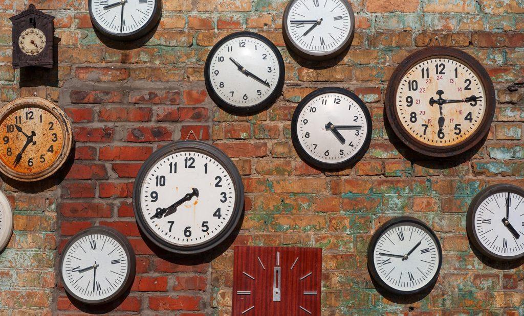 relojes-cambio-hora-bbva