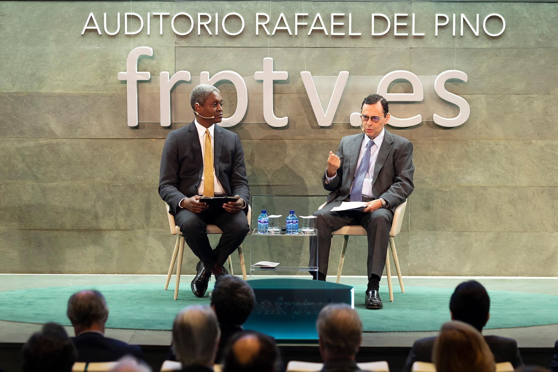 Raphael-Bostic-Jaime-Caruana-Fundación-Rafael-Pino-eeuu-escenario-geopolítico-política-monetaria-recurso-bbva
