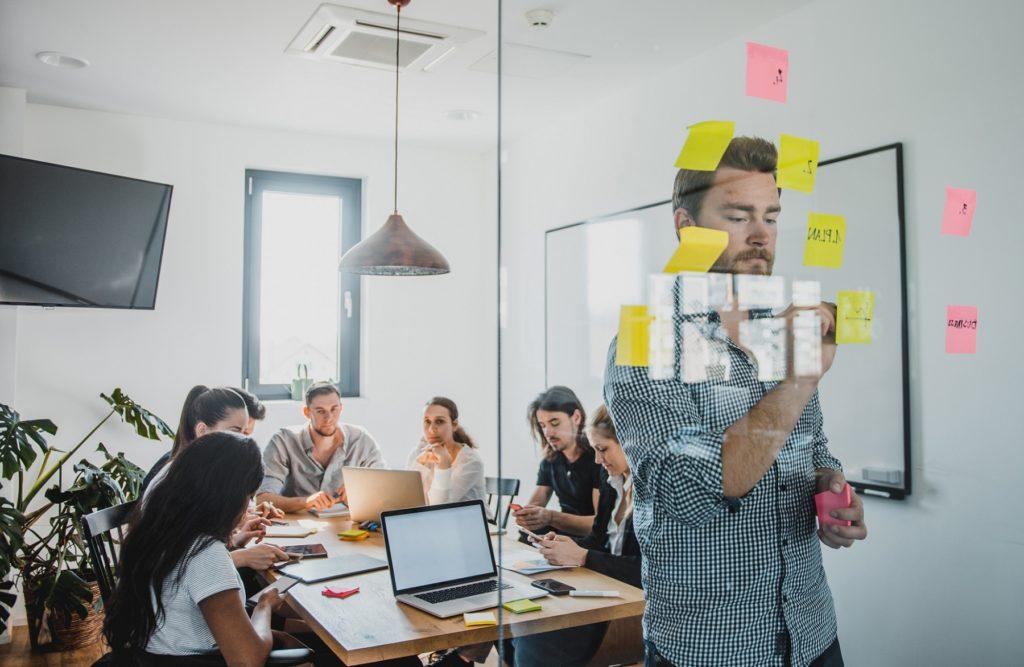 Garanti busca emprendedores sociales