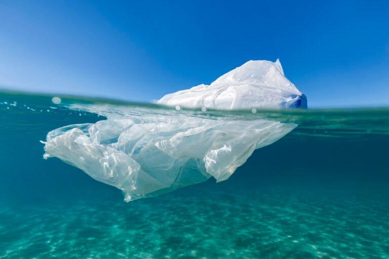 plastico-cambio-climatico-oceano-bbva