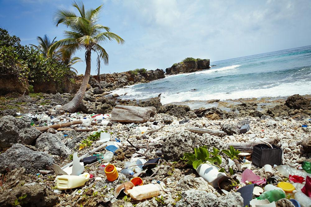 playa-vertedero-cambio-climatico-basura-sostenibilidad-bbva