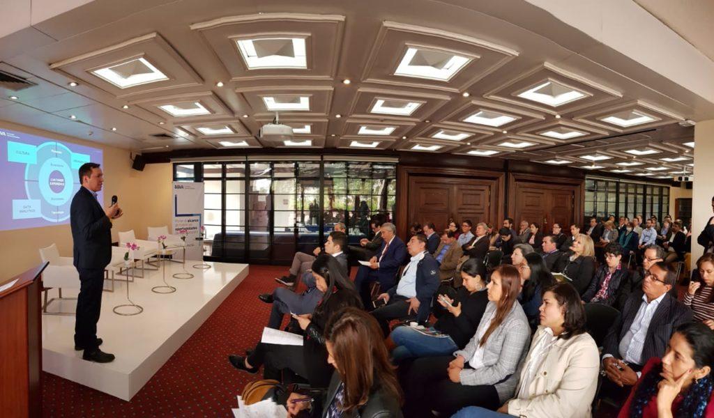 Enrique Neira, Open Innovation BBVA, expuso el proceso de transformación digital frente a empresarios, clientes de BBVA y suscriptores de El Tiempo